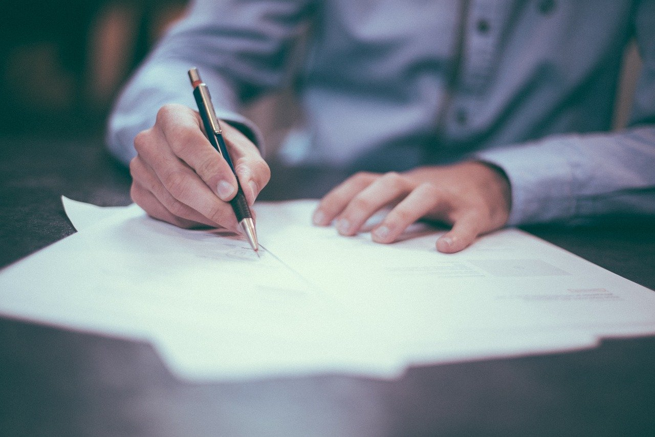 Contracts Commercial Law